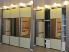 Фасады - зеркало бронза/стекло с пленкой;Корпус - ЛДСП Egger Белый.